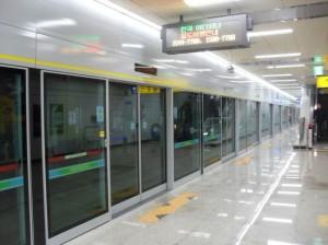 subway-screen-doors-300x224