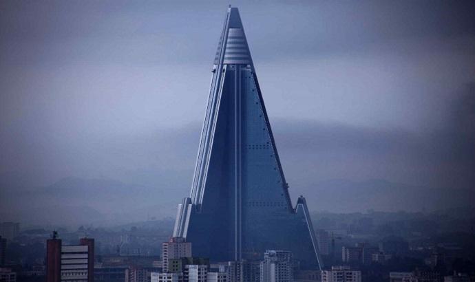 105-story-empty-pyramid