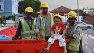 construction-workers-in-singapore_1